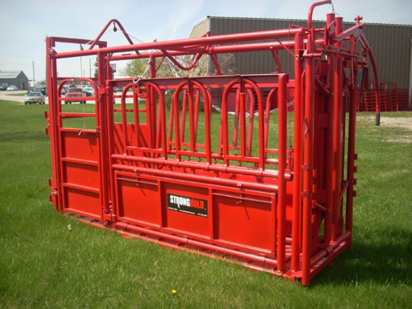 Cattlemaster 900 Squeeze Chute Cattle Chutes Cattle