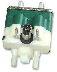 Strangko Green Alternating Pulsator w/ Fresh Air Nipples - Stanchion Model 24VDC